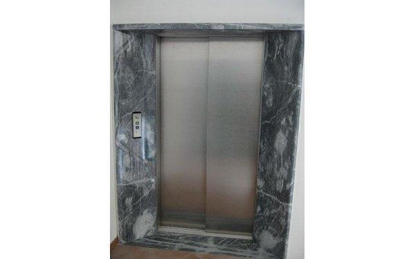 pronto soccorso ascensori-vista frontale