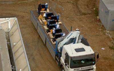 camion con ascensori -vista frontale