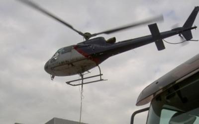 elicottero durante lavoro