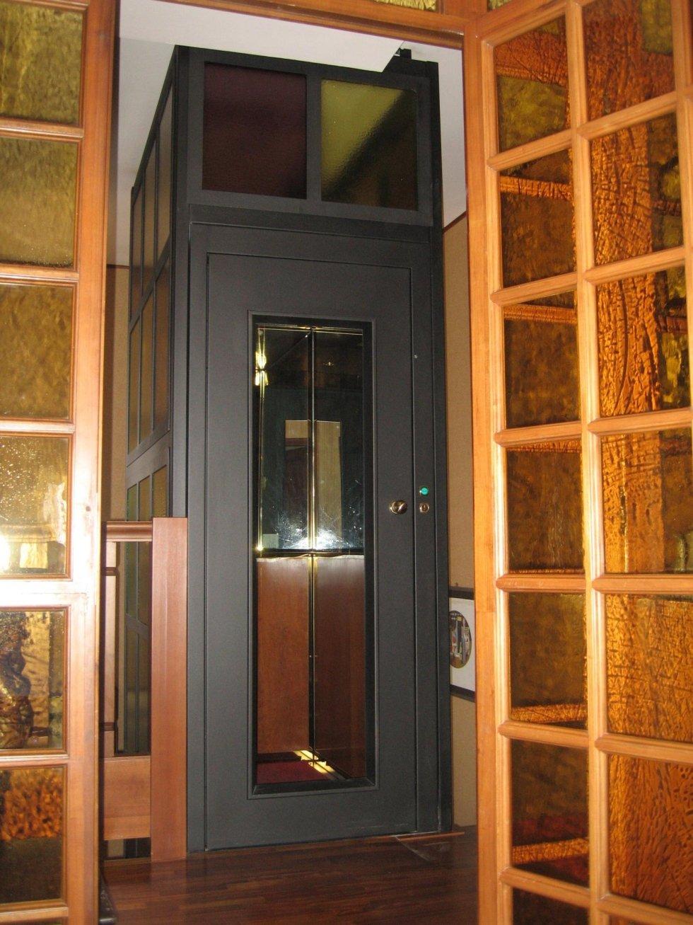 ascensore in vetro per una casa