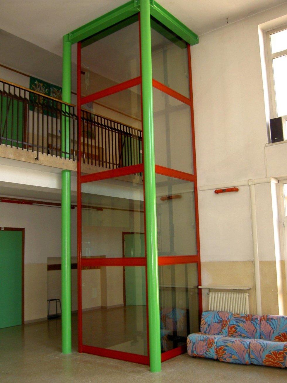 piattaforma elevatrice panoramica colorate