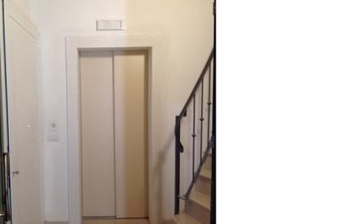 ascensore con scala interna