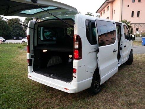 minibus per trasferte, minibus per viaggi di lavoro, minibus per viaggi di piacere
