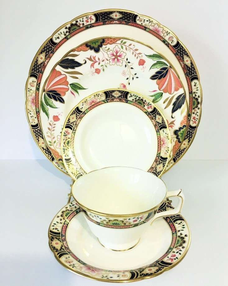ROYAL CROWN DERBY TABLEWARE CHELSEA GARDEN