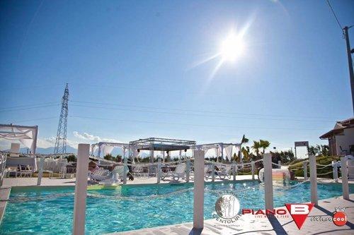 La piscina con il sole
