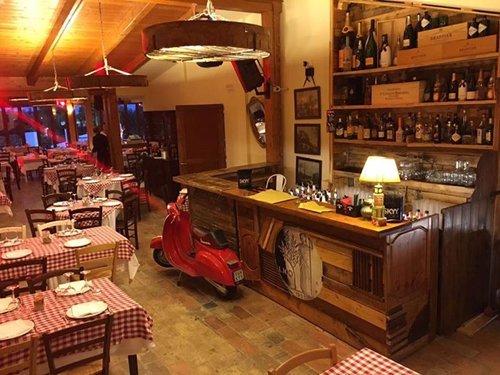 La sala interna del ristorante