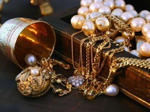 monili oro e argento