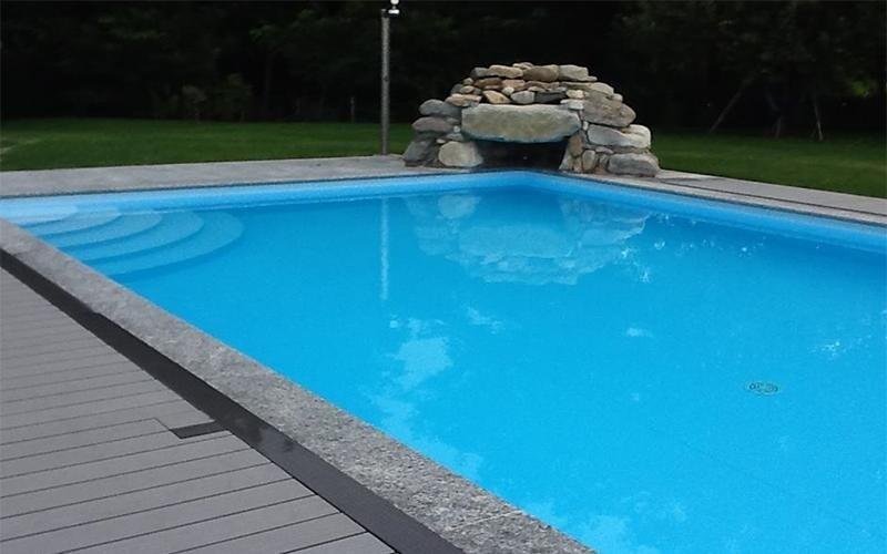 piscina pvc con cascata