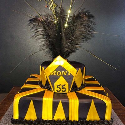 Great gatsby cake with feathers