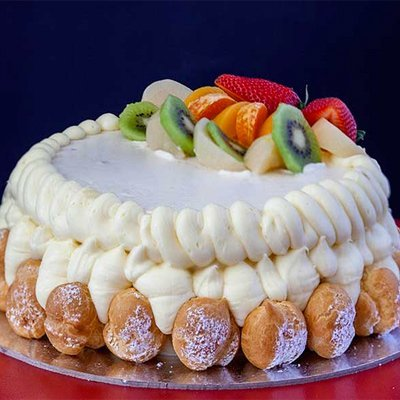 Gateau with puffs on the side
