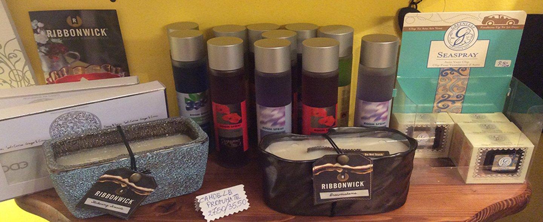Ribbonwick profumi e candele con oggetti da casa