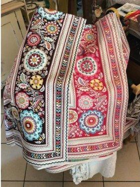 lenzuola tradizionale con arte
