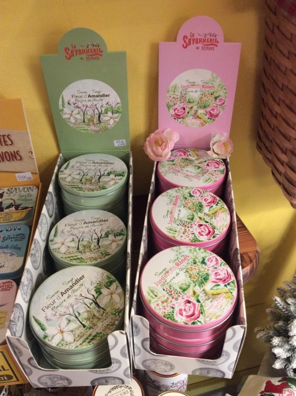 colorati scatoli di tiffin