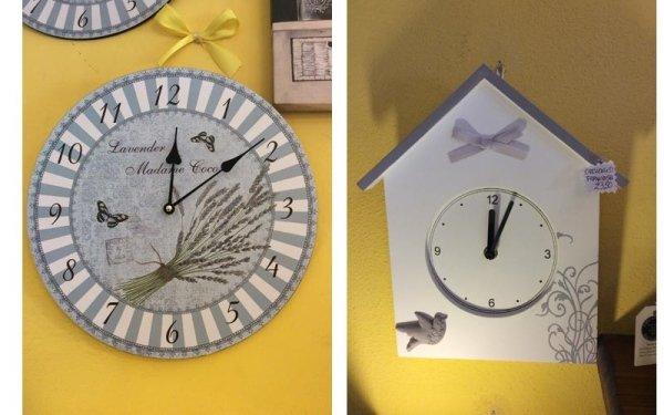 due orologi sospesi