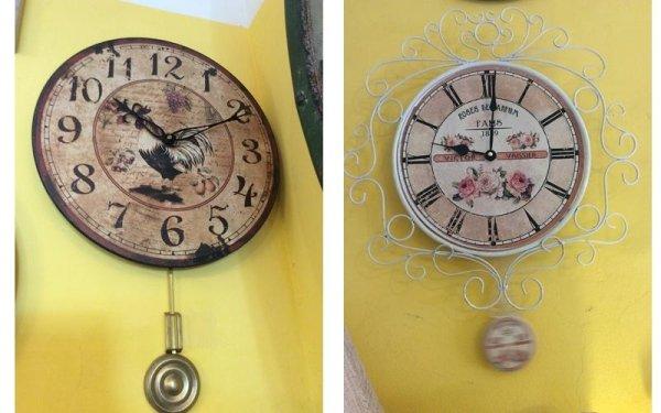 due orologi con il pendolo
