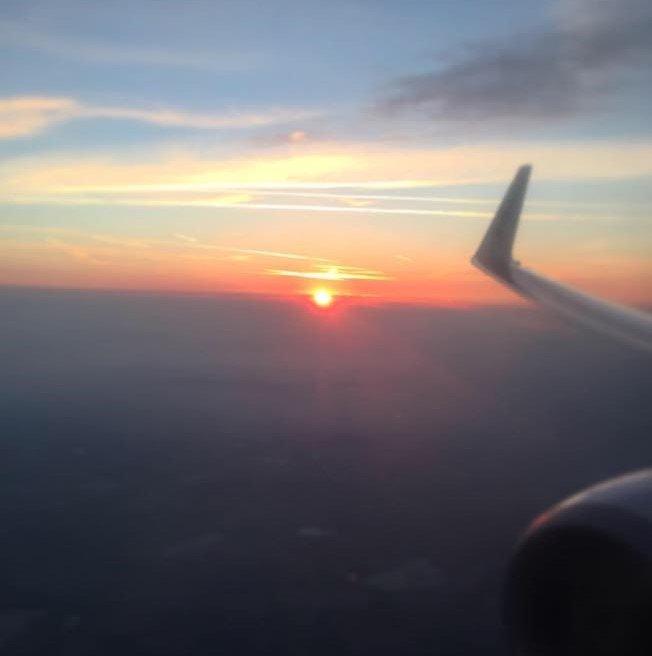 un tramonto visto da un aereo