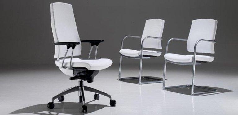 Mobili per spazio di lavoro verona b zaggia - Sedie ufficio padova ...