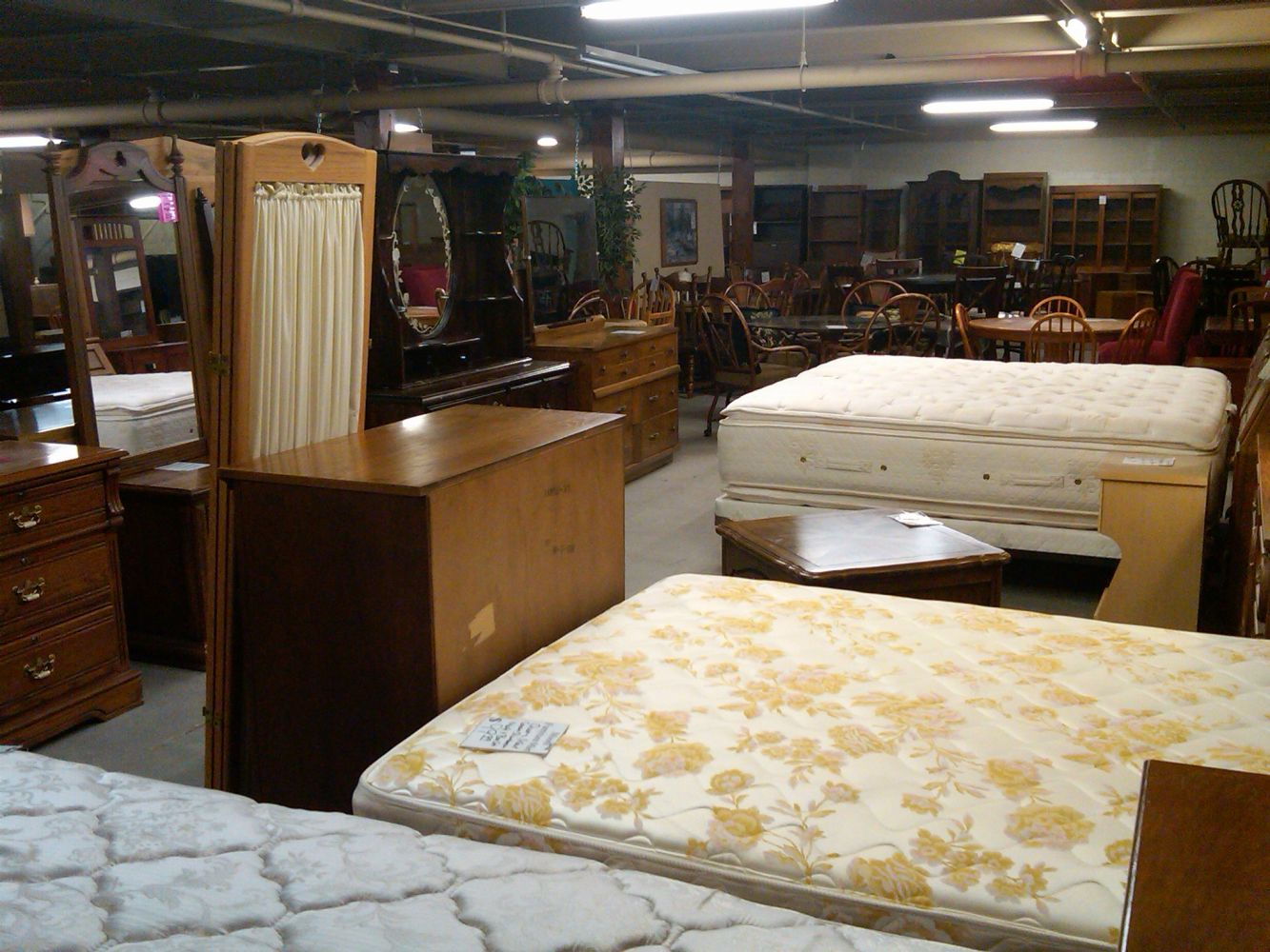 large furniture showroom  in Lincoln, NE