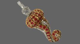 gioielli con pietre preziose, orecchini con diamanti, orologi