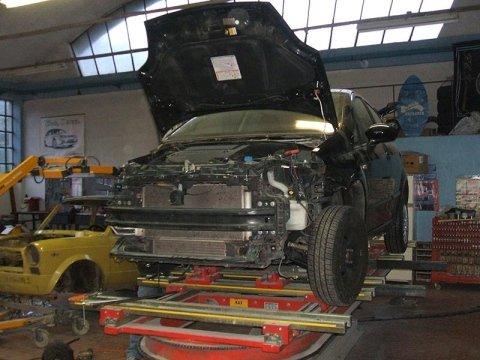 Raddrizzatura scocche auto