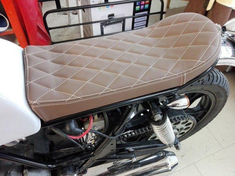 sedile per moto d'epoca marrone