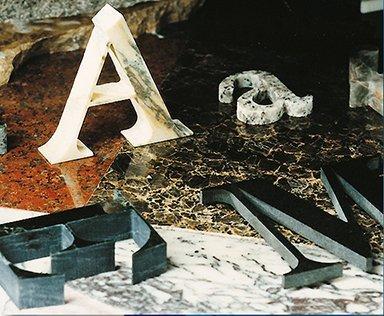 lettere in metallo