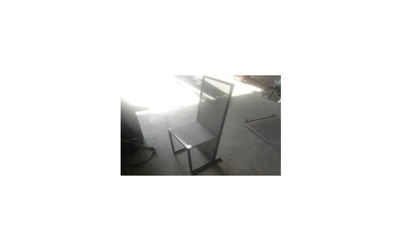produzione sedie metallo