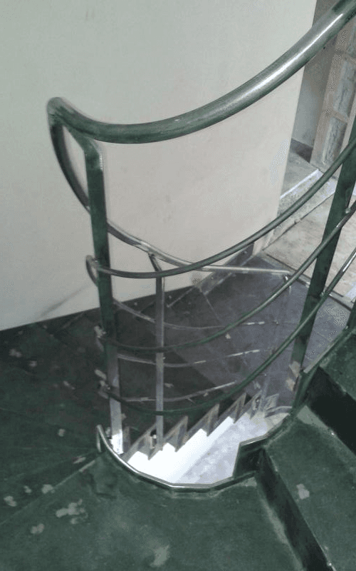 installazione corrimano in ferro