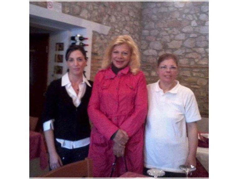 staff con una celebrita italiana