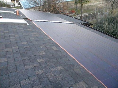 tetto con panneli solari