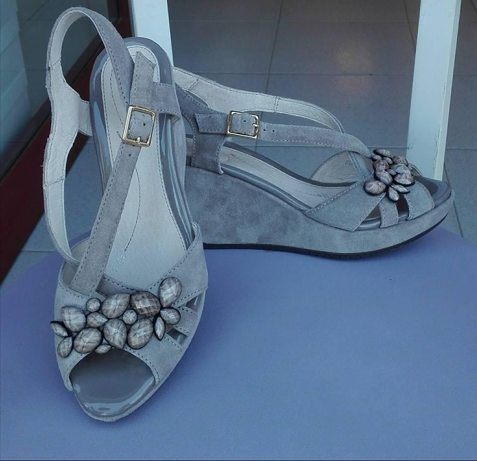 scarpe con la zeppa bianche