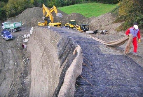 Realizzazione struttura stradale con terre armate