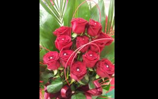 fioristi,mazzi di rose, mazzi di fiori, bouquet di rose,  addobbi flroeali per ogni occasione, Addobbi per cerimonie, addobbi per matrimoni, Addobbi per ristoranti, addobbi per chiese, addobbi per cerimonie, addobbi floreali, Rieti