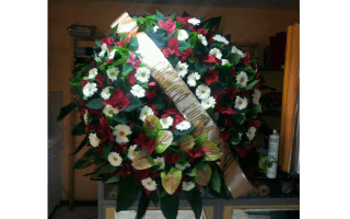 corone funebri, cuscinetti funebri, copribara floreali, addobbi Funebri, Rieti