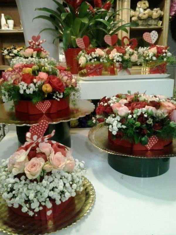 composizioni di fiori in cesti