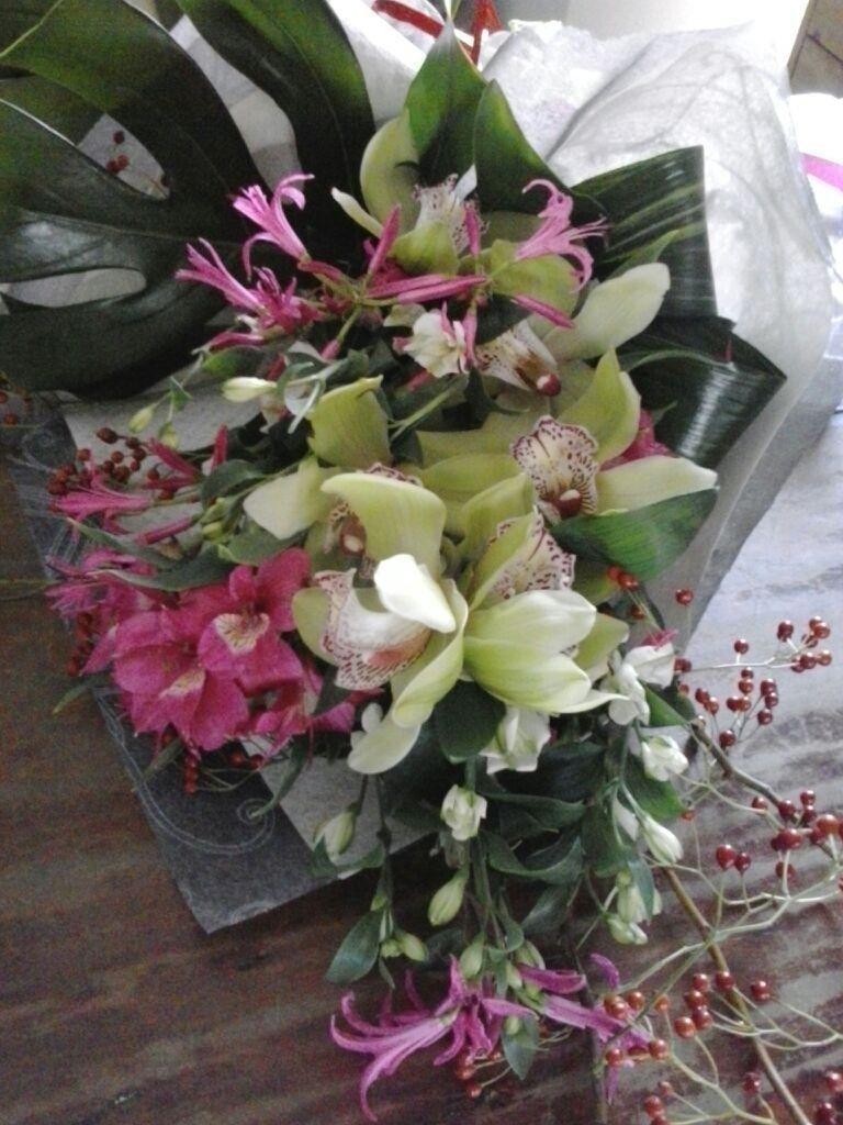 bouquet rosa e orchidee
