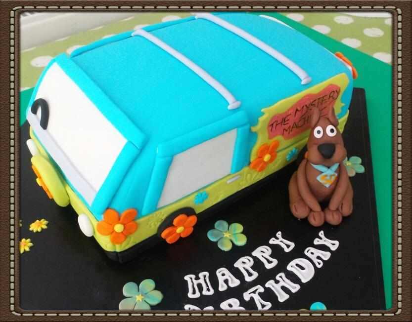 Scooby Doo and Mystery Machine Cake