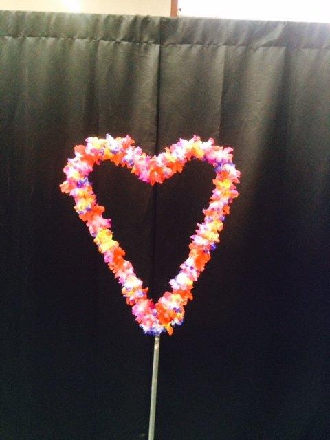Prop Luau Heart