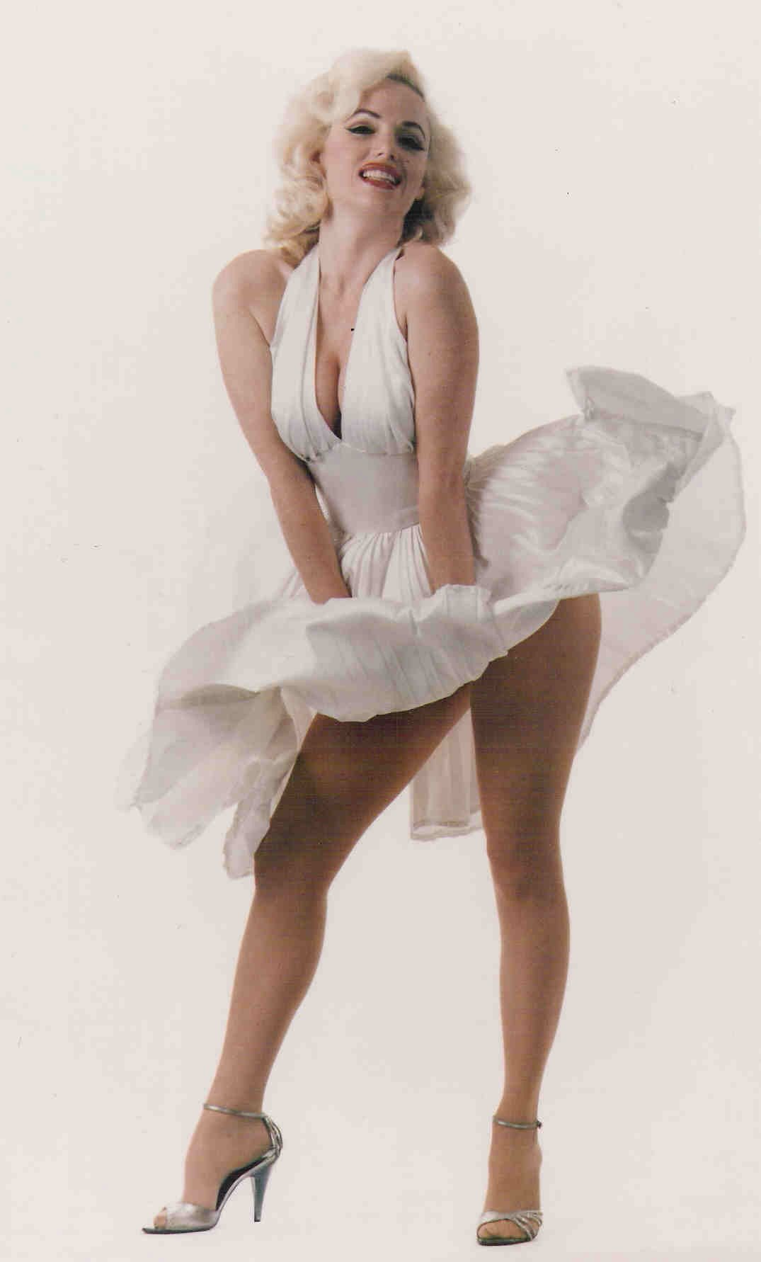 Prop Cutout Marilyn Monroe 1.6m x 0.8m $25 incl stand and gst