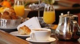 Colazioni, cappuccino, arancia, caffè, merendine