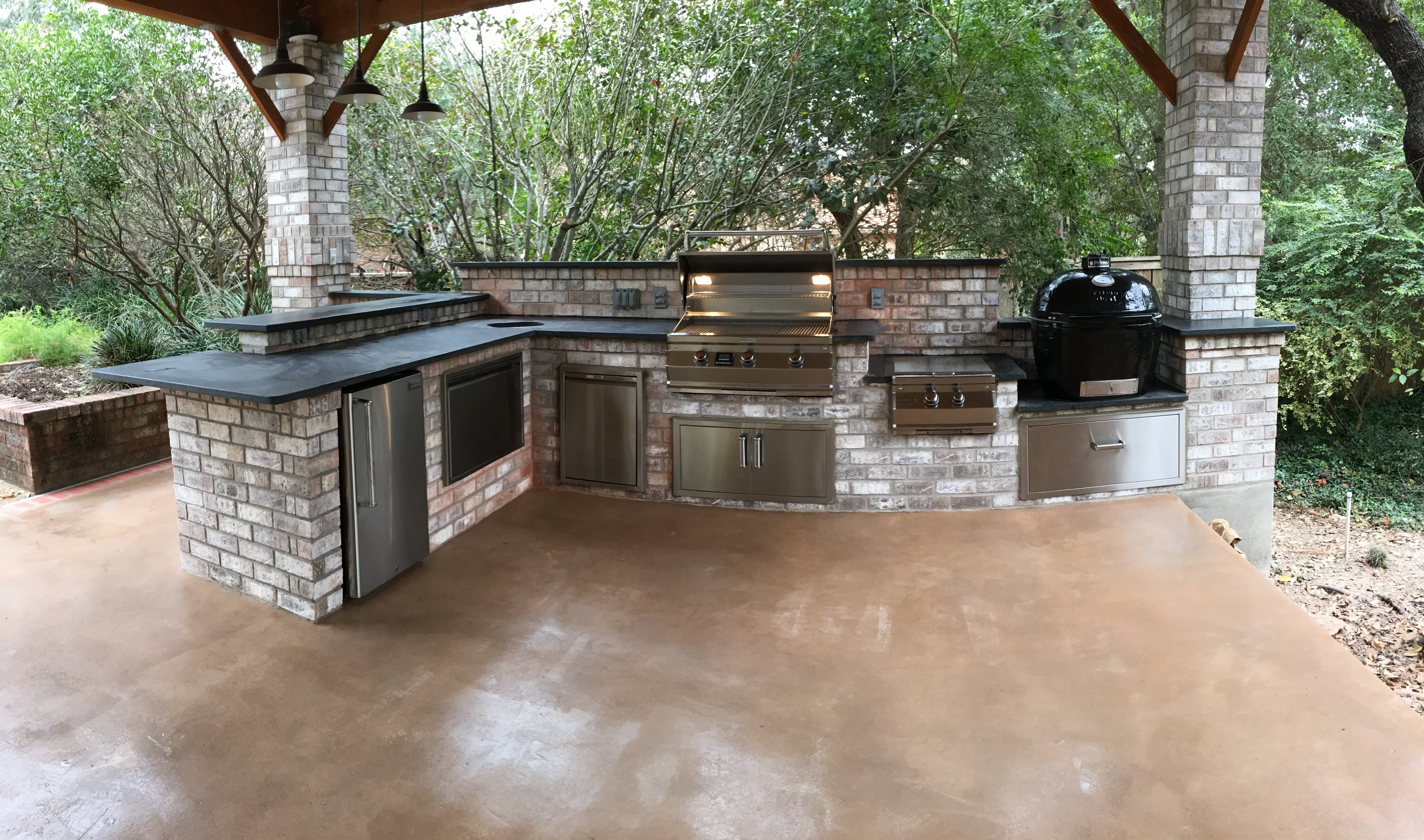 Cozy outdoor escapes gallery outdoor kitchens san for Q kitchen san antonio tx