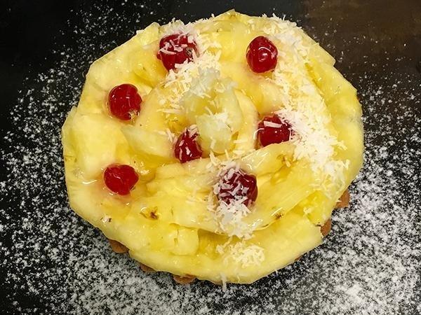 Frolla, crema alla vaniglia Tahiti, ananas e ribes