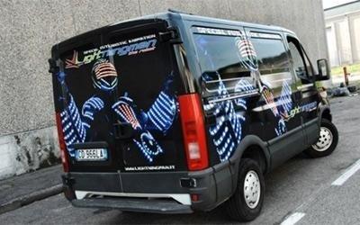 Decorazione pubblicitaria furgone