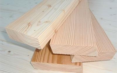 decorazioni su legno