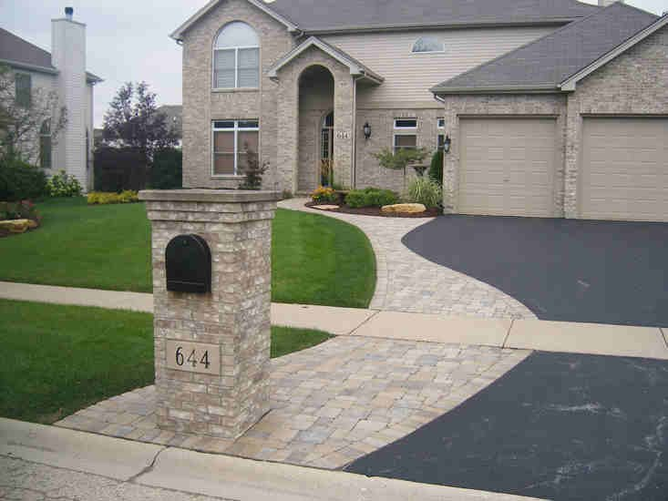 Curved and Cut Brick Paver Walkway