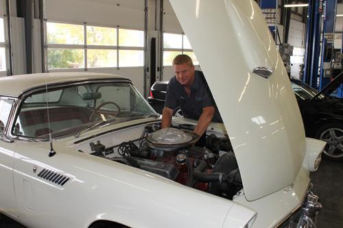 Professional performing transmission repair in Lincoln, NE