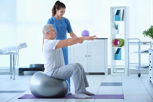 Fisioterapia con una persona