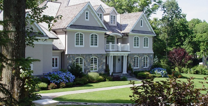 Lawn Care Service Darien, New Canaan, Westport, CT | Earthscapes