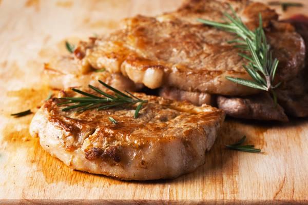 Primo piano di un bistecca alla piastra