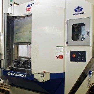 macchina industriale per fresatura acciaio
